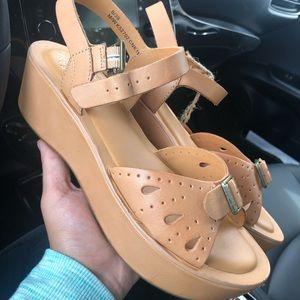 NWT Kork-Ease Platform Sandals Size 7